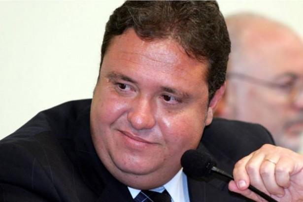 O ex-assessor do PP João Cláudio Genu - condenado no mensalão - foi preso na manhã desta segunda-feira, em Brasília Foto: Agência Brasil/Reprodução