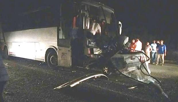 (Foto do ônibus: Reprodução/Teixeira News)