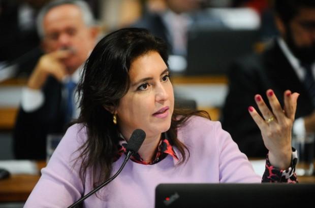 A proposta deverá ser apresentada extra-pauta e a relatora, Simone Tebet (PMDB-MS), informou que já está finalizando seu parecer pela aprovação - Marcos Oliveira/Agência Senado